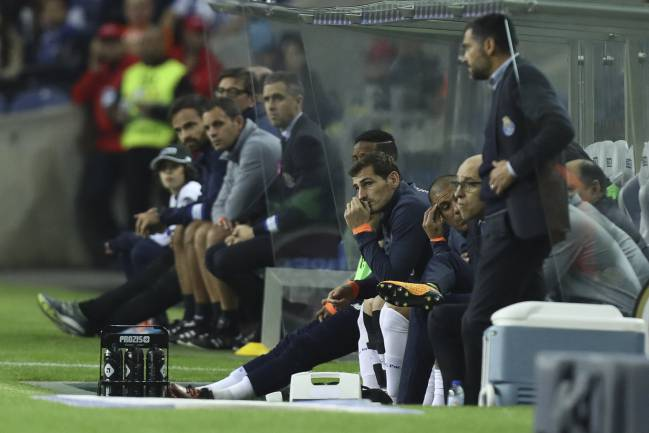 Iker Casillas on the bench for the last league game.
