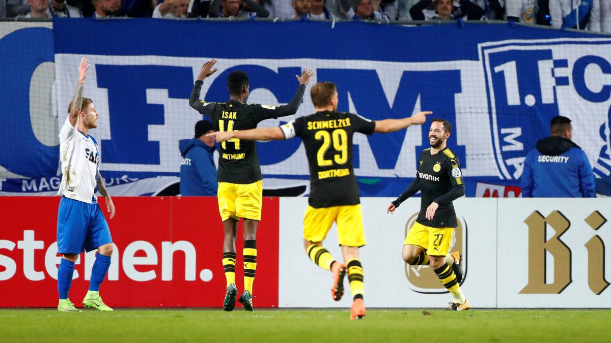 Isak, 18, shines for Dortmund in cup romp
