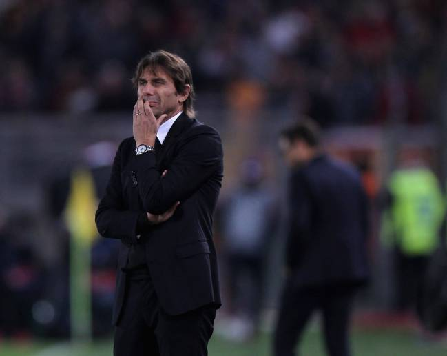 Chelsea FC head coach Antonio Conte has a lot of thinking to do.