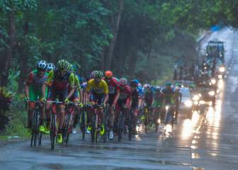 Chinese cyclist assaults rival team members after fall