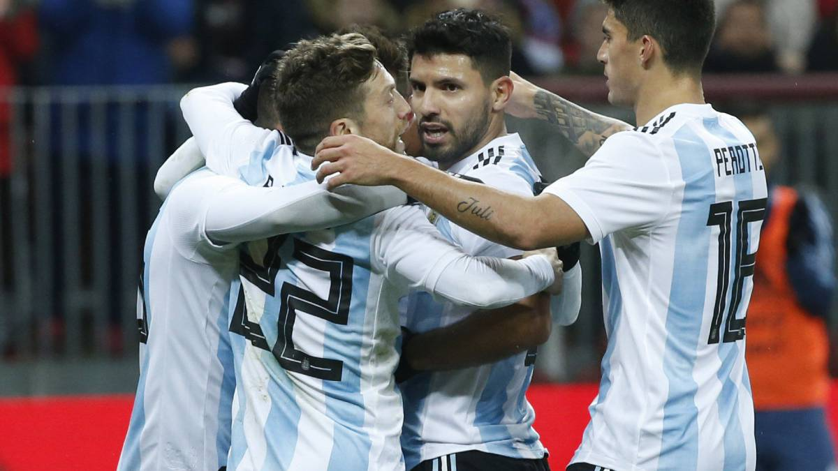Agüero delivers the goods for Argentina in Moscow