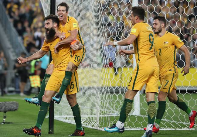 Australia qualify for the 2018 Russia World Cup with a comprehensive victory over Honduras in Sydney. Captain Mile Jedinak was the hat-trick hero.