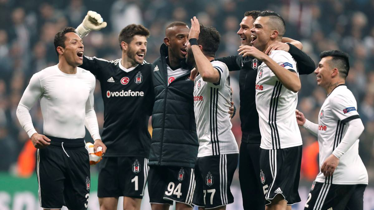 Besiktas reach Champions League last 16 for the first time in 31 years