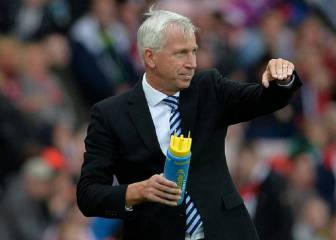 Pardew in talks over West Brom job