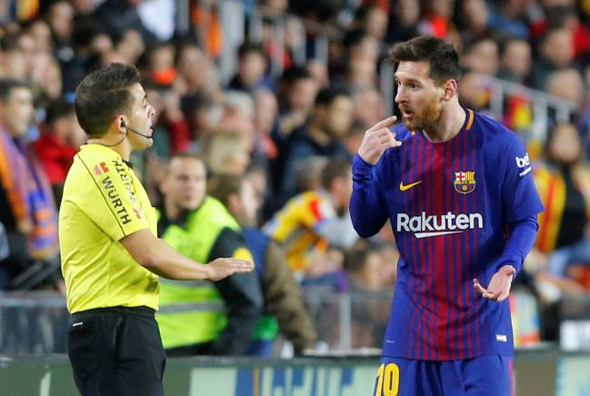 Valverde | The Barça coach discussed his side's 1-1 draw against title-rivals Valencia, including Lionel Messi's unawarded goal in the first half.