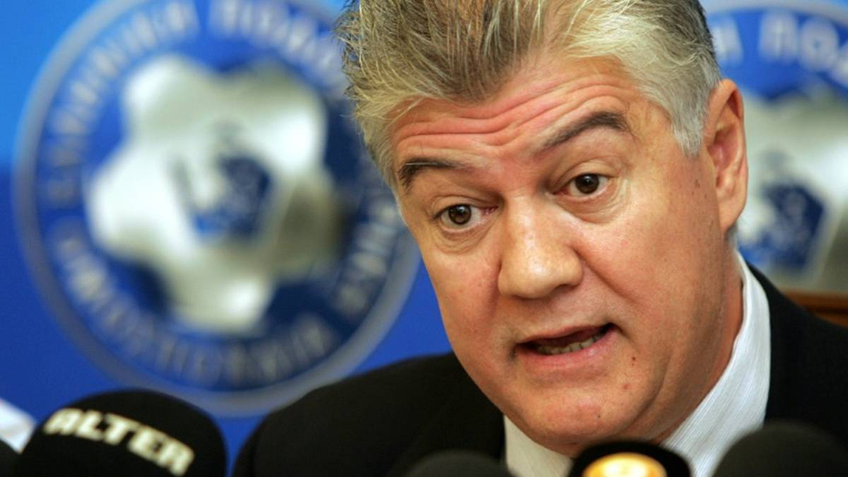 Ex-Greek FA chief accused of paying fire relief funds to Euro 2004 coach