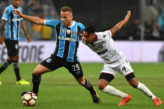The two Brazil internationals dazzled in the Copa Libertadores, and will be keen to push on in the UAE with a view to a spot in Tite's 2018 World Cup squad.