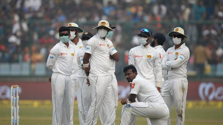 Cricketers vomiting after fielding in Delhi smog - Pothas