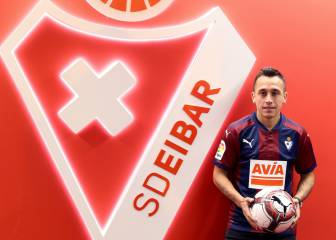 Orellana joins Eibar after no games for Marcelino at Valencia