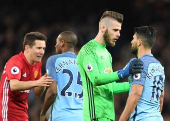 Man Utd block Man City film crew