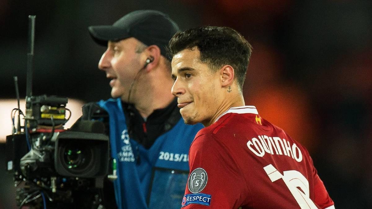 Liverpool's Coutinho refuses to rule out January move