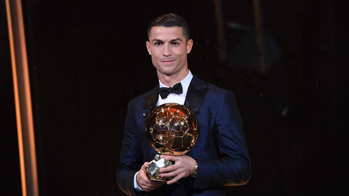 Cristiano Ronaldo wins 2017 Ballon d'Or in Paris
