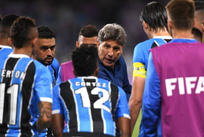 Renato Gaucho, manager of Gremio gives his team instructions before extra time is played during the FIFA Club World Cup UAE 2017 semi-final match.