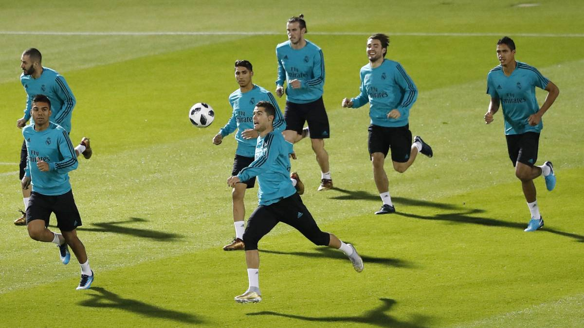 Follow Real Madrid vs Gremio live online, in the Club World Cup final. Preview, build-up, live coverage and live score. Kick off 18:00 CET with AS English.