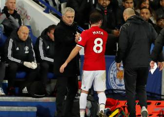 "Mourinho rues United's ""childish"" mistakes at Leicester"