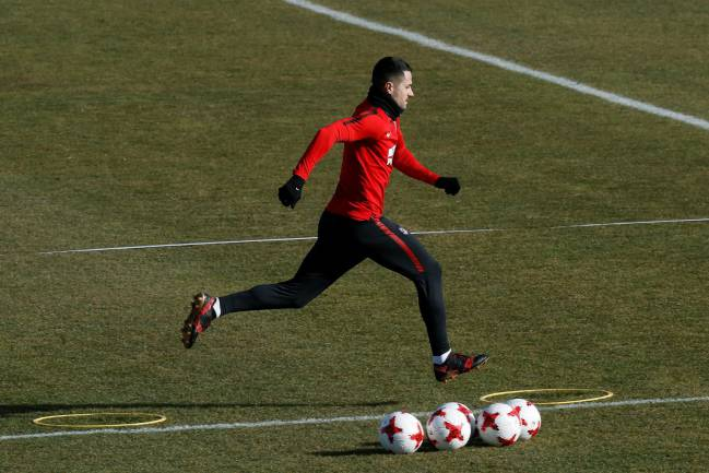 Getting ready | Vitolo Machín at training.