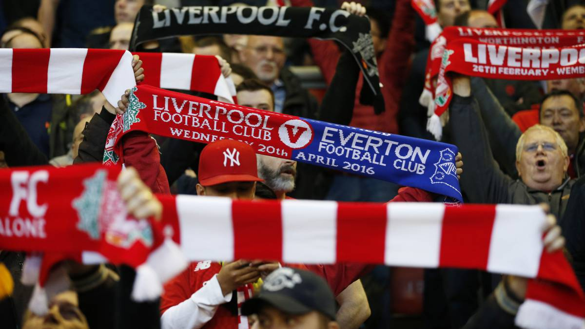 "Police say they ""can't arrest half-and-half scarf wearers"" before Merseyside derby"