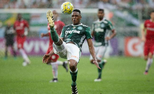 Yerry Mina | The Colombia international has told his club, Palmeiras, of his position as negotiations continue for his transfer to the LaLiga leaders.