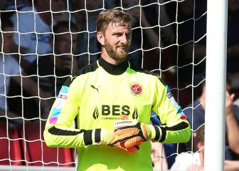 Fleetwood keeper's pizza prize for Cup clean sheet