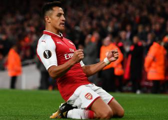 Alexis could follow in footsteps of Cantona, Van Persie - Neville