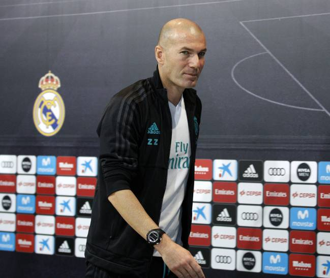Zinedine Zidane leaves the press conference at Valdebebas.