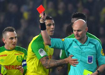 Nantes president demands ban after referee kicks Carlos