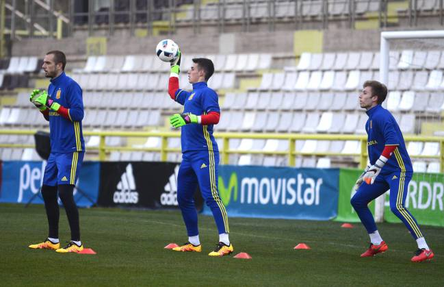 Kepa training with the Spanish U-21 squad back in 2016.