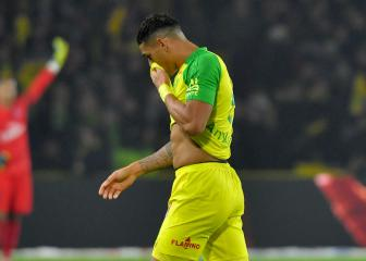 Nantes' Carlos has red card overturned after being kicked by referee