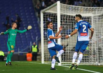 Espanyol stun Barca late for first derby win in a decade