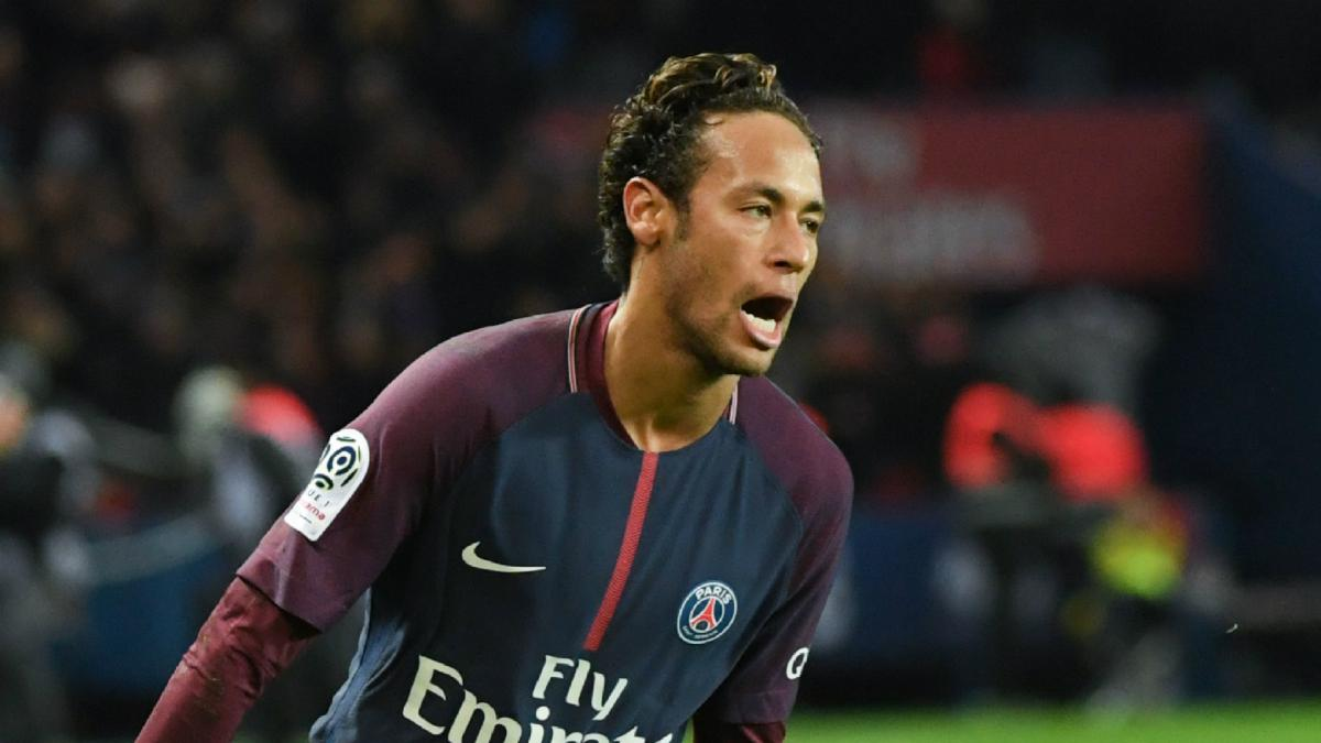 Neymar not angered by PSG whistles - Silva