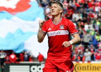 Schweinsteiger back with Chicago Fire for another season