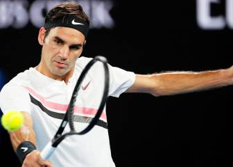 Federer breezes into the Last 16