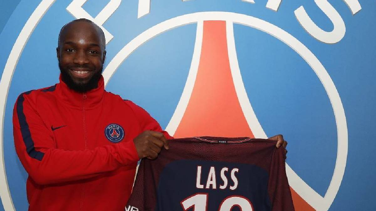 PSG boost midfield options with surprise Diarra signing