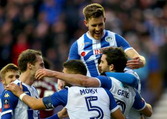 FA Cup Review: Grigg on fire as Wigan shock West Ham