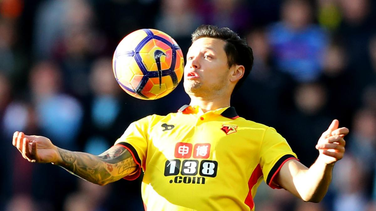 Watford loan Zarate to Velez