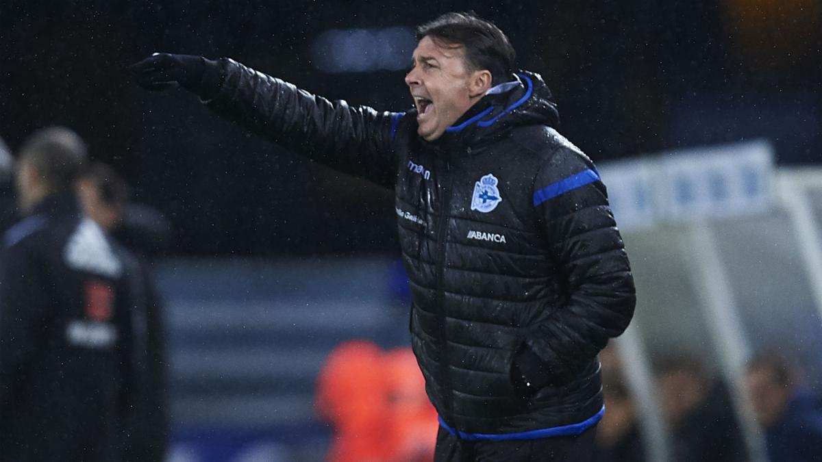 Deportivo sack Cristobal after Real Sociedad thrashing