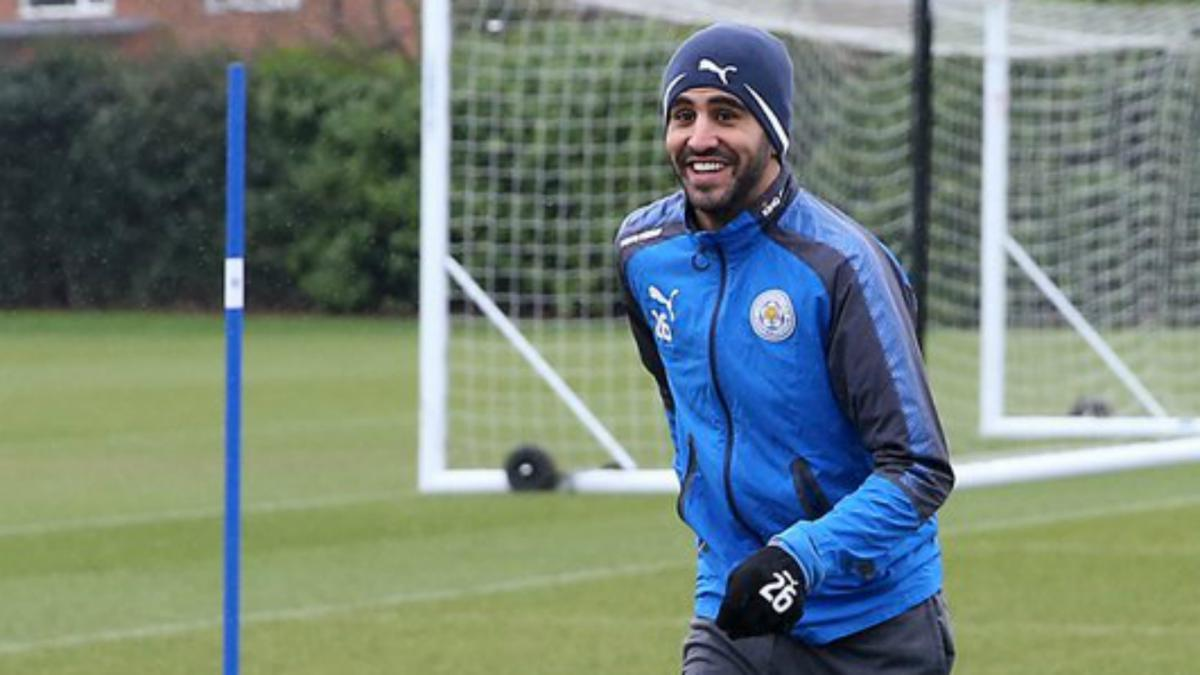 'Focused' Mahrez returns to Leicester training