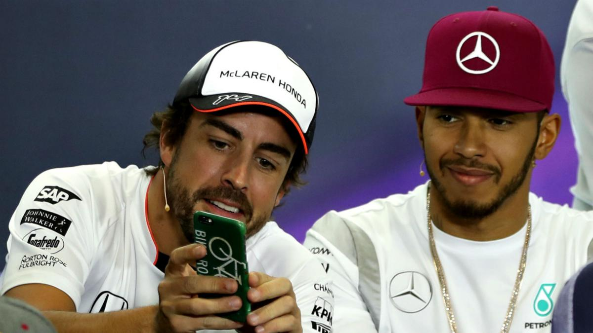 McLaren open to Hamilton return