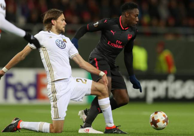 Danny Welbeck's injury toils have not shaken Arsene Wenger's faith in the forward and the Arsenal boss feels he can still shine for England.
