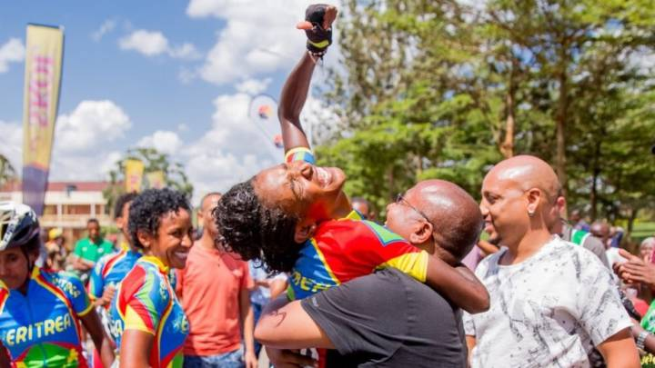 Eritrean national cycling team gets rapturous reception after Africa triumph
