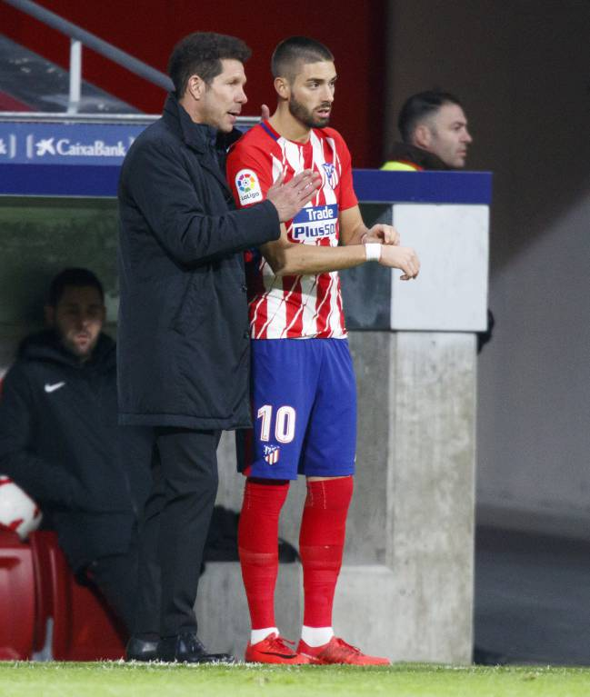 17/01/18 | Carrasco and Simeone during Atlético vs Sevilla cup match.