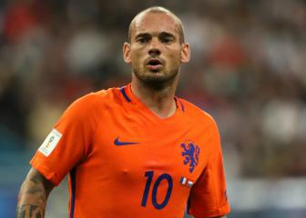 Sneijder brings Oranje career to a close after Koeman chat