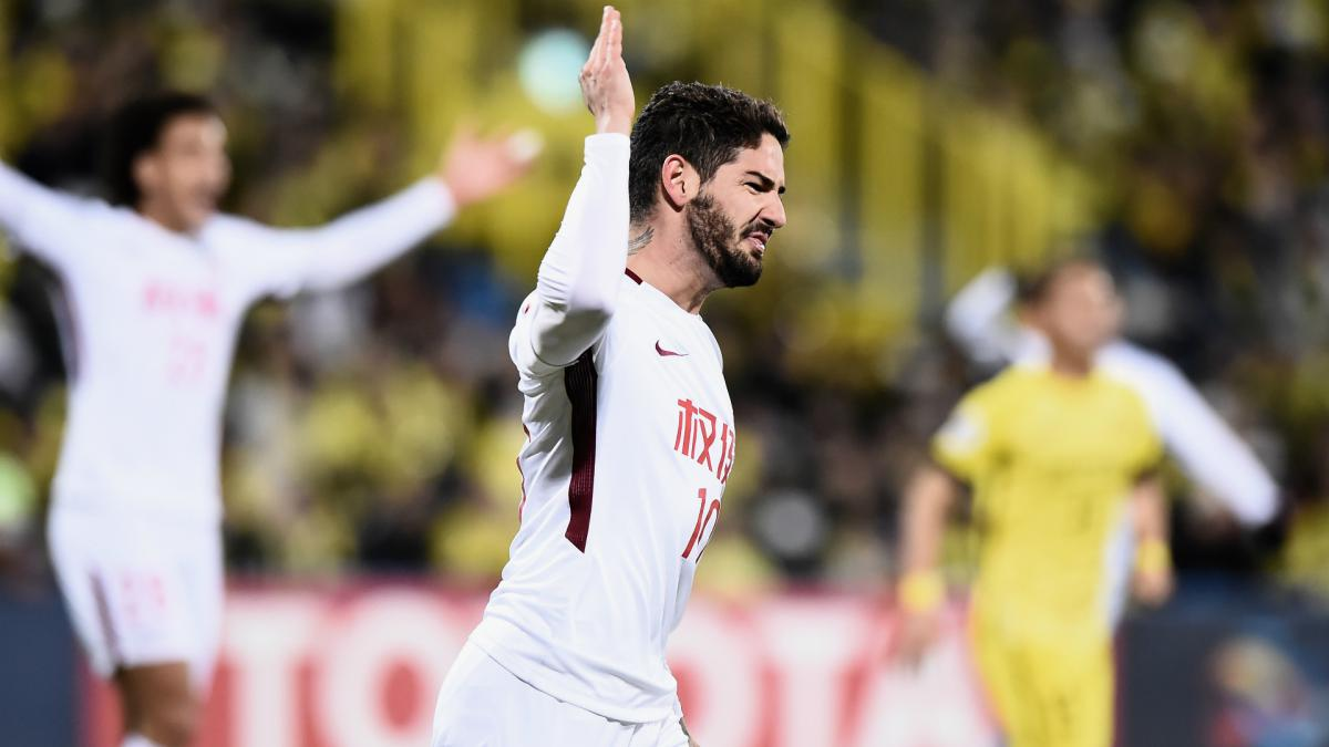 AFC Champions League Review: Witsel, Pato hit for six