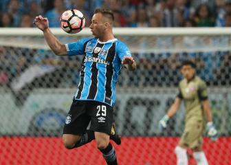 Arthur to Barcelona imminent, Grêmio president confirms