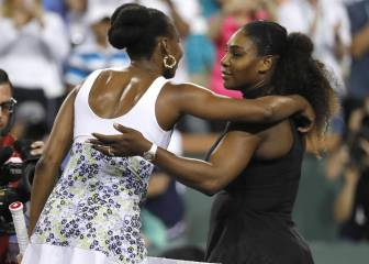 Venus Williams upstages sister Serena at Indian Wells