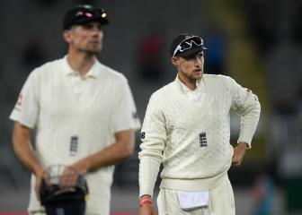 England's bleak winter sinks to new low in first Test against NZ