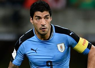 Suarez scores 50th international goal