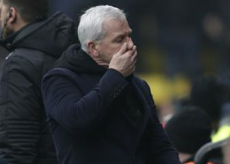 Alan Pardew leaves West Brom as relegation looms