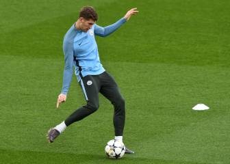 Beating United would sweeten title triumph - Stones