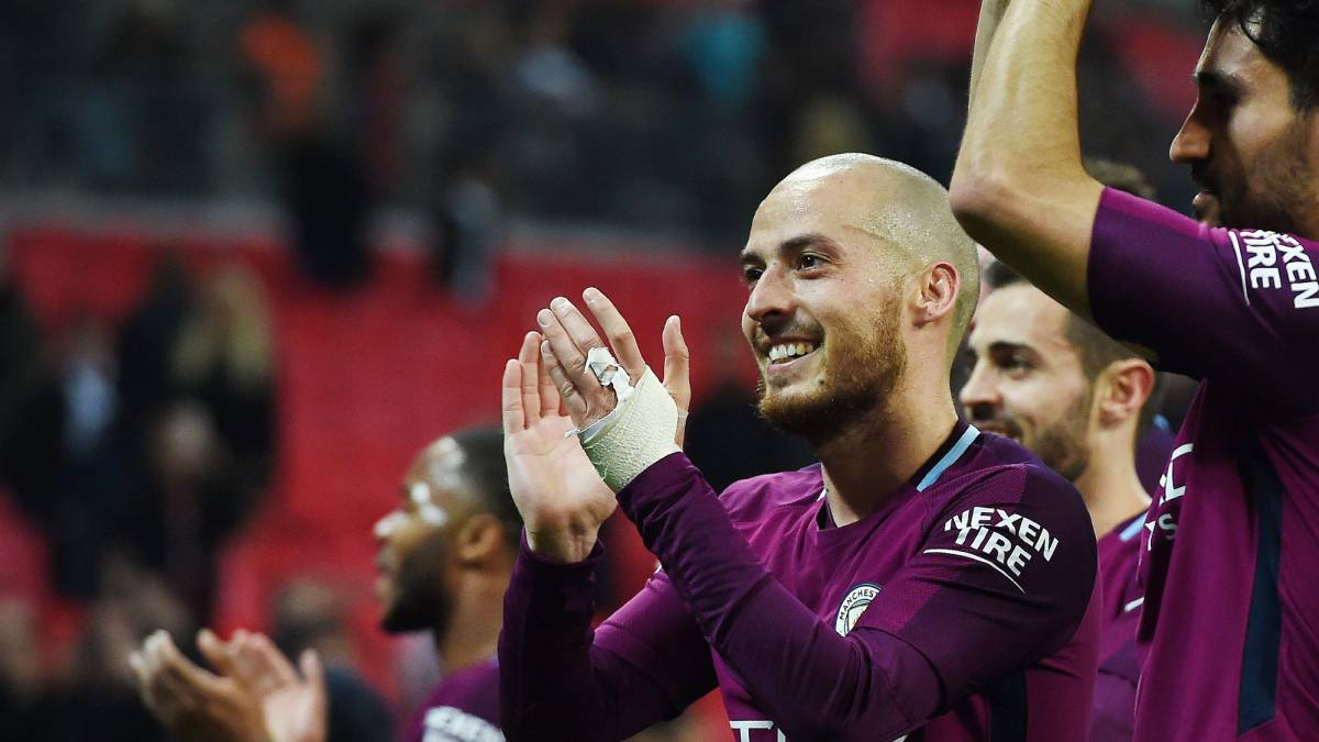 Manchester City win Premier League title as rivals United lose